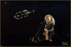 "Tori Kelly performing ""Nobody Love"" at the RDMAS April 25,2015"