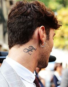 neck tattoo man - Buscar con Google