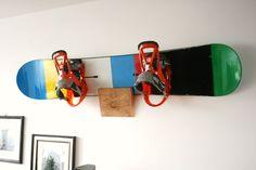 Snowboard Massivholz Wandhalterung
