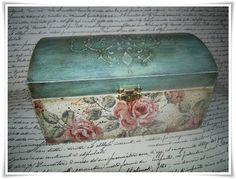 Offering box, découpage with kids drawings Decoupage Wood, Decoupage Vintage, Pretty Box, Altered Boxes, Jewellery Boxes, Painted Boxes, Sewing Box, Hand Painted Furniture, Beauty Box