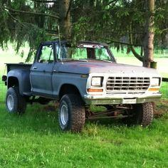 Old Ford trucks. 1979 Ford Truck, Lifted Ford Trucks, Cool Trucks, Pickup Trucks, Ford F150 Pickup, Ford 4x4, Classic Ford Trucks, Classic Car Insurance, Old Fords