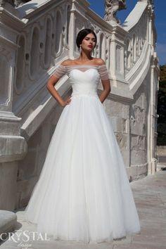 BREATHTAKING WEDDING DRESSE – DREAM OF EVERY WOMAN