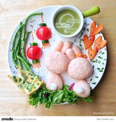 Moon Bunny - Food Art Kids Meals Bento Cute Kawaii Samantha Lee - These remind me a bit of moon rabbits. Amazing Food Art, Cute Food Art, Creative Food Art, Food Art For Kids, Art Kids, Bento Recipes, Baby Food Recipes, Cooking Recipes, Cooking Tips