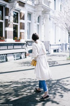 POLIENNE | wearing a VILA trenchcoat and shirt, LEVI'S 501 boyfriend denim & GUESS bag