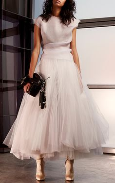 The designer: Toni Maticevski is arguably Australia's most directional designer—literally, his awe-inspiring pieces jut out in origami folds… Look Fashion, Skirt Fashion, Fashion Dresses, Lolita Fashion, Street Style Rock, Looks Party, Robes Tutu, Evening Dresses, Prom Dresses