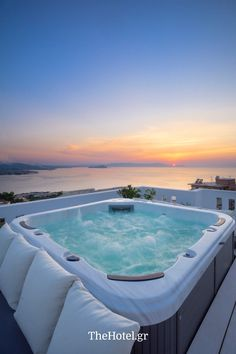 Lovely Villas in Crete, Chania, Your Top Holiday Villa in Kreta, Great Luxury Villas in Chania and Rethymno Dream Home Design, My Dream Home, Luxury Homes Dream Houses, Beautiful Places To Travel, Travel Aesthetic, Dream Rooms, Dream Vacations, Summer Vacations, Future House