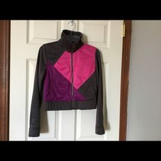 Twenty one jacket Condition: worn few times. In good condition Details: color block jacket .  100% polyester Twenty one Jackets & Coats Jean Jackets