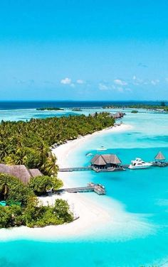 20 Breathtaking Places To See Before You Die – The Barefoot Explorer - Vacation Places, Dream Vacations, Vacation Spots, Places To Travel, Places To See, Beautiful Islands, Beautiful Beaches, Photos Voyages, Beach Fun