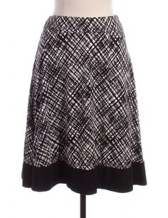 Black And White Gored Skirt by Ann Taylor Loft - Size SP - $15.00 on LikeTwice.com
