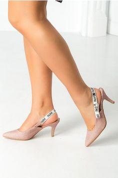 Pantofi Love roz cu sclipici Kitten Heels, Pumps, Shoes, Fashion, Moda, Zapatos, Shoes Outlet, Fashion Styles, Pumps Heels