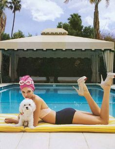 poolside posh. Too cute! Great idea for my editorial beauty sessions
