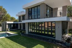 Built in the house has treetop views and limited vistas of the downtown skyline of Sandton, a business hub nearby, from its second floor. Sandton Johannesburg, Dream Mansion, New Home Construction, Contemporary Bedroom, Second Floor, Ny Times, Business Hub, My Dream Home, New Homes