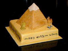 Pyramid Cake cakepins.com