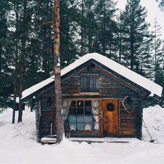 folklifestyle:Okay, I said there would be no more snow, but this...