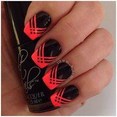 decoracion de uñas negras color coral