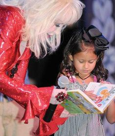 American Printing House for the Blind (APH) and Dolly Parton's Imagination Library have teamed up to provide free audio and braille books to preschoolers with visual impairments!