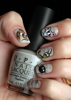 Just a Little Critter. I love how she did newspaper print behind the critters. Love Nails, Fun Nails, Pedicure Nails, Manicure, Nail Pictures, Nail Accessories, Little Critter, Beauty Hacks, Beauty Tips