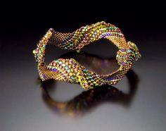 Brick w/ alternating bead sizes????