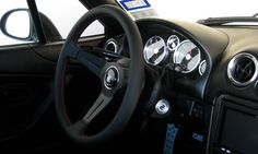 Another Nardi Deep Corn 350mm without the sharp bend of the 330. Can you tell I really want this wheel? Photo by pacman 99 on mazdaroadster.net #Nardi #DeepCorn #350mm #NA #Mazda #Miata #interior #steeringwheel