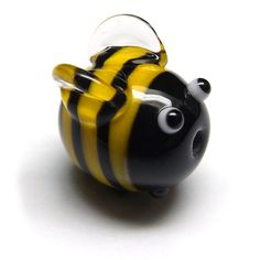 Lampwork glass Bumblebead by Laura Sparling