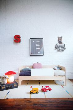 Lit Perch Toddler Oeuf NYC, finition bouleau.