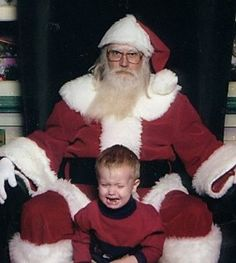 Oh, what joy it is to ride on a drunken Santa's lap! Take a gander at more funny pics of kids and creepy Santas. There's a scary old man at the mall waiting for your child now! Funny Christmas Pictures, Santa Pictures, Funny Pictures For Kids, Funny Kids, Fun Funny, Bad Santa, Santa Real, Awkward Family Photos, Christmas Humor