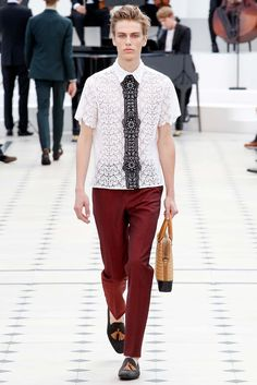 Burberry Prorsum Spring 2016 Loving the Lace  Menswear - Collection - Gallery - Style.com