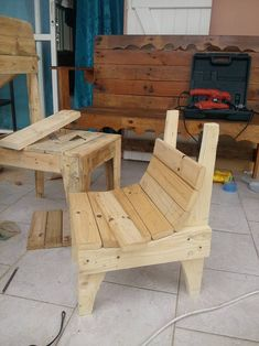 While working on these generic pallet wood repurposed furniture ideas, I really had a feeling deep inside my heart that there must be some project...