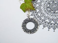 Silver Mandala Pendant. Handmade Mandala Silver por PuntoPausa