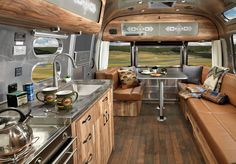 Let's take a moment to admire this very pretty and exclusive airstream trailer, made in collaboration with Pendleton. With only 100 exact models out there, Airstream and Pendleton designed th… Airstream Travel Trailers, Airstream Campers, Airstream Remodel, Airstream Renovation, Airstream Interior, Vintage Airstream, Remodeled Campers, Vintage Trailers, Camper Trailers