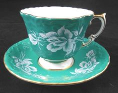 Aynsley-England-Fine-Bone-Tea-Cup-Saucer-Set-Molded-w-White-Roses-on-Turquoise
