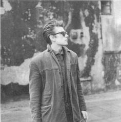"john-loves-macca: ""happy birthday to stuart sutcliffe! i hope wherever you are you're making art. The Beatles, Beatles Photos, Liverpool, Stuart Sutcliffe, The Quarrymen, Idole, The Fab Four, Ringo Starr, George Harrison"