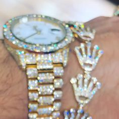 Discover recipes, home ideas, style inspiration and other ideas to try. Men's Jewelry Rings, Cute Jewelry, Bling Jewelry, Jewellery, Versace Jewelry, Luxury Jewelry, Mens Gold Jewelry, Diamond Jewelry, Flipagram Instagram