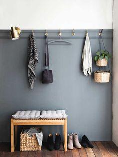 Unique & Rare Wall Color Ideas For Every Room - Eingang Decor Room, Diy Home Decor, Bedroom Decor, Master Bedroom, Hallway Inspiration, Home Decor Inspiration, Hallway Decorating, Entryway Decor, Design Jobs