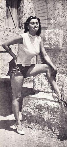 1955 - Young Sophia