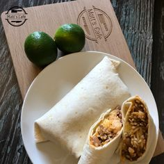 Mexican Beef and Bean Burritos | Fakeaway | Matt's Cafe Mexican Dishes, Mexican Food Recipes, Beef Recipes, Healthy Cake Recipes, Ethnic Recipes, Low Syn Chocolate, Chocolate Cake, Slimming World Recipes Syn Free Chicken, What Is A Burrito