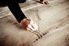 Maßfertigung & Handarbeit seit 1912 - Tisch / Manufaktur