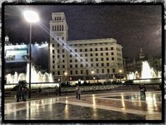 A Plaza Catalunya shot with the iPhone 4S!