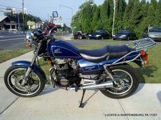 86 honda nighthawk--looks just like my first bike. Mine was a 550cc blue 1986