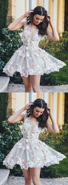 A-Line V-Neck Sleeveless Short White Tulle Homecoming Dress with Appliques