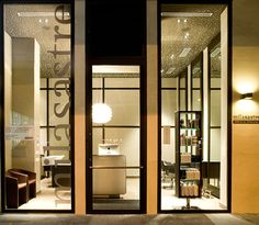 Refurbishment of an old hair salon with the aim to transforme it into a contemporary and more elegant one