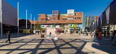 Koop 'Almere City Mall' van Brian Morgan voor aan de muur.