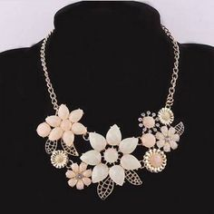 1646 and the ᗑ United States jewelry, fashion crystal flowers short necklace. 1646 and the United States jewelry, fashion crystal flowers short necklace. Pendant Set, Flower Pendant, Pendant Necklace, Choker Necklaces, Collar Necklace, Fashion Necklace, Fashion Jewelry, Short Necklace, Beautiful Necklaces