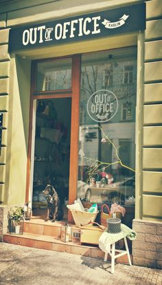Small urban and modern retro place with a touch of boho chic style. Interior store, workshop studio & Annie Sloan Agent in Czech rep. Annie Sloan Stockists, Store Front Windows, Workshop Studio, Modern Retro, Crickets, Prague, Decor, Travel, European Travel