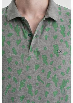 A POLO full of cactus for an ironic, funny and Mexican style! Colorful and stylish, for an unforgettable summer. #SUN68 #SS17 #POLO #patches #green #icons #colors