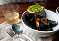 mussels with tomatoes and basil #summerfoodie