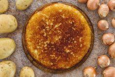 Il frico, è una ricetta friulana, originaria dei monti della Carnia; un piatto unico o secondo composto da patate, cipolle e formaggio Montasio fuso.