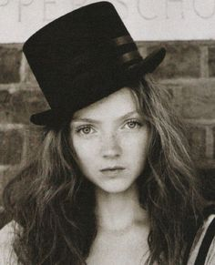 #Lily Cole #greyscale