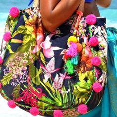New in store ..LULU tropical beach bag!! We just love it!!