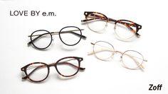 メガネブランド「Zoff(ゾフ)」は、ジュエリーブランド「e.m.」が展開する「LOVE BY e.m.」とのコラボレーションシリーズ「LOVE BY e.m. Eyewear Collection」を、一部店舗で11月11日から順次発売する。